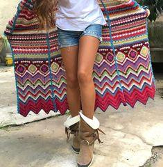 Fashion&Fun in Barcelona with Vivo Soul – onibizaclouds Embroidery Patterns, Hand Embroidery, Crochet Sweaters, Crochet Granny, Granny Squares, Missoni, Chevron, Cool Style, Barcelona