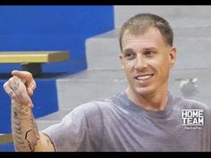 """Another video of Jason Williams (""""White Chocolate"""") playing rec league basketball has shown up. He's still making WTF moves on the court. I Love Basketball, Basketball Legends, Mike Bibby, Jason Williams, Home Team, Nba Players, Mixtape, White Chocolate, Larry"""