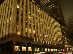 Located at 1000 3rd Avenue, on the Upper East Side, Bloomingdale's department store chooses classic white lights to illuminate their storefront during the holidays.