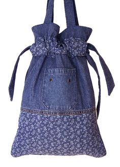 SOLD Handmade Denim Drawstring Handbag Gypsy Purse Little Flowers Mais Denim Purse, Denim Outfit, Blue Jean Purses, Handmade Bags, Handmade Leather, Vintage Leather, Country Girls Outfits, Unique Handbags, Denim Ideas