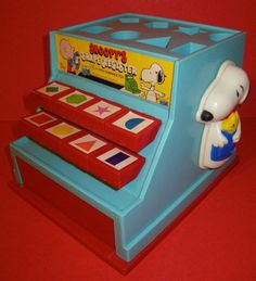 Vintage Toy 1958 Snoopy Shape Register - You know you love Charlie Brown & the Peanuts Gang!