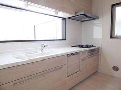 収納たっぷり機能美のあるキッチン片付けやすくお手入れしやすい人気のLIXILの製品です