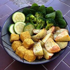 Tofu nuggets for din dins again tonight😍😍😍 With some herby potatoes, zucchini, spinach. Tofu, Zucchini, Spinach, Potatoes, Eat, Ethnic Recipes, Instagram, Potato, Squashes