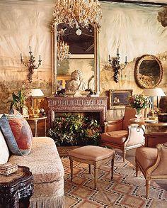 The home of Joseph Minton Antiques, located in Dallas, Texas.