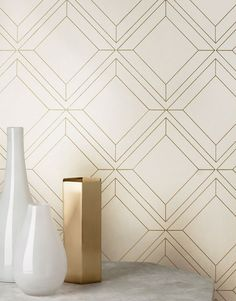 Non-woven wallpaper with a tactile relief effect. Created by silver lines forming squares it has a shimmering pattern with a matt base surface. Interior Wallpaper, Gold Wallpaper, Modern Wallpaper, Geometric Wallpaper, Designer Wallpaper, Pattern Wallpaper, Cream Wallpaper, Deco Design, Wall Design