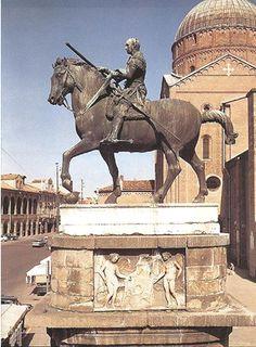 Erasmo de Narni, door Donatello. Eerste belangrijke bronzen ruiterstandbeeld na de klassieke oudheid.