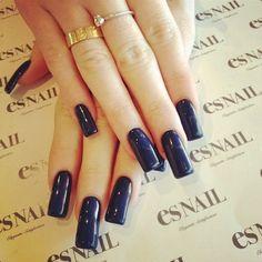 Nails Love the shape Es Nails, Navy Nails, Blue Acrylic Nails, Hair And Nails, Gloss Kylie Jenner, Nails Kylie Jenner, Long Black Nails, Long Nails, Cartier