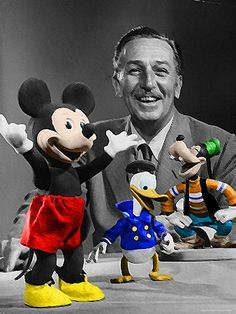 Walt Disney provided the original voice of Mickey Mouse. Mickey's original name was Mortimer, but was later changed to Mickey by Walt Disney's wife Lillian. Disney Vintage, Retro Disney, Disney Love, Disney Magic, Vintage Disneyland, Disney Ideas, Disney Family, Vintage Mickey, Disneyland Paris