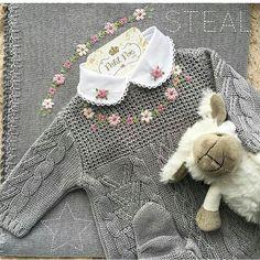 Nosso macacãozinho mais vendido!!! 🌸 Body com gola bordada, macacão em tricot e manta lisa com bordado a mão R$ 455,90 tamanho RN ou P. Cor: cinza, vermelho e rosa bebê. 🙀 Ovelha importada R$ 130,90. ♚ Vendas pelo WhatsApp ♚ ✈ Enviamos para todo Brasil e exterior 🌍 ♔ VENDAS PELO WHATSAPP ♔ 📱 (17) 99663-3770 ➺ Aline 📱 (17) 99221-3037 ➺ Grazi 📱 (17) 99191-8730 ➺ Bia 📱(17) 99258-0779 ➺ Bruna 📱 (17) 99189-7047 ➺ Monique (17) 3361 2824 ☏ Fixo Obs.📍Atendimento por ordem de recebimento das…