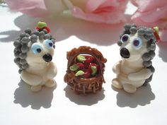 Glass lampwork hedgehog bead with apple by Myhappyhobby