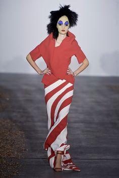 http://wwd.com/fashion-news/shows-reviews/gallery/gareth-pugh-rtw-spring-10233035/