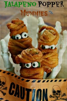 Jalapeno Popper Mummies - Simply Sated: a little bit hot, a little bit sweet and a lot of fun. Jalapeno Popper Mummies are the perfect Halloween treat. Fete Halloween, Halloween Appetizers, Halloween Goodies, Halloween Food For Party, Holidays Halloween, Halloween Treats, Halloween 2016, Halloween Decorations, Healthy Halloween