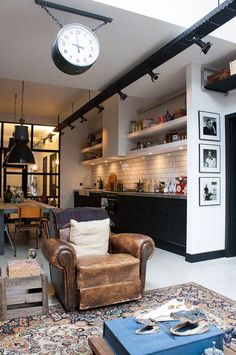 Living room kitching with an industrial look
