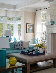 Turquoise Room Ideas - Well, how concerning a touch of turquoise in your room? Establish your heart to see it due to the fact that this article will certainly offer you turquoise room ideas. Beach Living Room, Coastal Living Rooms, My Living Room, Home And Living, Living Room Themes, Living Room Turquoise, House Of Turquoise, Interior Exterior, Interior Design