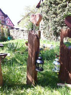 wooden solar garden lights garden farm outdoor rooster. Black Bedroom Furniture Sets. Home Design Ideas