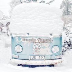 brrrr  ☮See More #VWBus on https://www.pinterest.com/wfpblogs/vw-bus/ ☮.