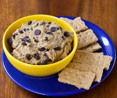 The newest healthy cookie dough dip flavor – chocolate chip banana bread! A new version of the Healthy Cookie Dough Dip. The cookie dough dip is always… Chickpea Cookie Dough, Chickpea Cookies, Cookie Dough Dip, Healthy Cookie Dough, Cookie Dough Recipes, Chocolate Chip Cookie Dough, Cookie Pie, Healthy Cookies, Chocolate Chips
