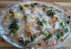 Gombás rakott brokkoli bűntudat nélkül Diabetic Recipes, Diet Recipes, Cooking Recipes, Healthy Recipes, Quiche, Main Dishes, Paleo, Food And Drink, Appetizers