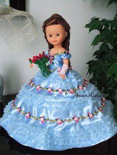 Nancy en particular Doll Sewing Patterns, Doll Clothes Patterns, American Girl Clothes, Girl Doll Clothes, Nancy Doll, Journey Girls, Wellie Wishers, Pretty Dolls, Fancy Dress