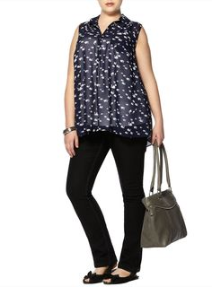 Our Swan Print Blouse, perfectly styled for an Apple shape. Click the picture to shop the whole outfit at www.evans.co.uk.