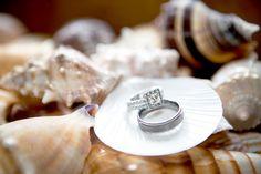 Wedding rings with shells for beach wedding.    #wedding #rings #beach #beachwedding