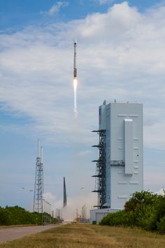 A collection of pad photos from the United Launch Alliance Atlas 5 rocket flight to deploy the GPS 2F-10 spacecraft. (July 14, 2015)  Photos by United Launch Alliance