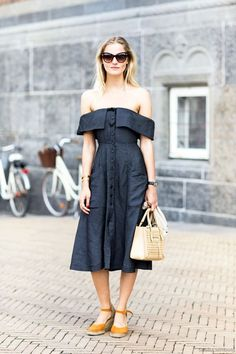 Street Style: A Romantic Way To Style An Off-The-Shoulder Dress | Le Fashion | Bloglovin'
