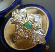 Online veilinghuis Catawiki: Oude platina en gouden art deco ring bezet met 2,36 ct oud geslepen diamanten en smaragd. Oostenrijk,1920-1930, oude authentieke merktekens