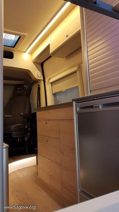 Citroen Jumper L3 H2 2013 por FURGO LIFE CAMPER Custom Camper Vans, Vw T4, Fiat Ducato, Camper Van Conversion Diy, Camper Caravan, Campervan Interior, Sprinter Van, House On Wheels, Van Life