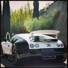 Black & White Beast - Bugatti Veyron