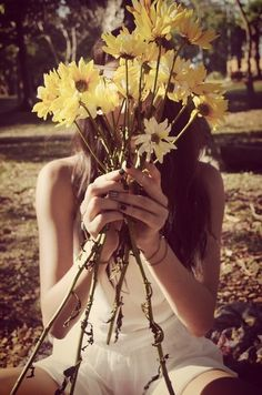 The Boho Garden - I got married with yellow daisies as bouquet just like this. :)