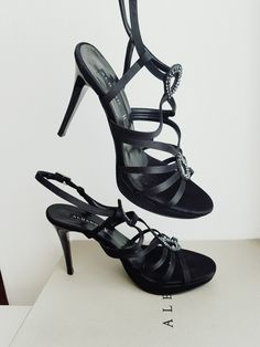 Beautiful Prom shoes Prom Shoes, I Shop, Hands, Shopping, Beautiful, Fashion, Sandals, Moda, Fashion Styles
