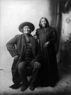 Geronimo, with unidentified woman, 1907