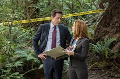 """After two sober episodes, """"The X-Files"""" took a welcome comedic turn this week."""