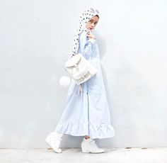 Hijab style with GRAFEA Snowball baby backpack