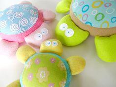 Patron de couture bébé tortue Softies jouet  par preciouspatterns