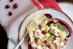 Food: Radicchio Salad with Cranberries   Mood For Style - Fashion, Food, Beauty & Lifestyleblog   Rezept für einen Wintersalat mit verschiedenen Radicchio-Blättern, Birne, Cranberrys, Lauch, Walnüssen und Hüttenkäse