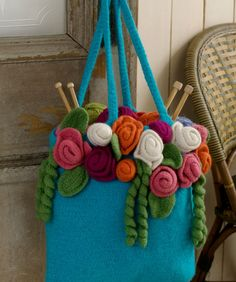 You can felt your wool crochet items to give them a whole new look! Here are 10 free felted crochet patterns to get you started. Crochet Tote, Crochet Purses, Knit Crochet, Felt Crafts, Yarn Crafts, Tote Pattern, Crochet Flowers, Crochet Patterns, Bag Patterns