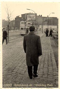 Andreas Henning schickt uns dieses schöne Bild seines Vaters. Es entstand 1959 an der Reinickendorfer Straße/Weddingplatz. Vielen Dank dafür!