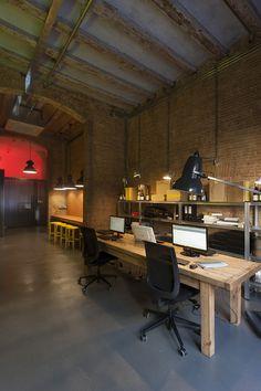 Monvínic Store Barcelona | Alfons Tost Interior design Conference Room, Barcelona, Interior Design, Store, Table, Furniture, Home Decor, Space, Nest Design