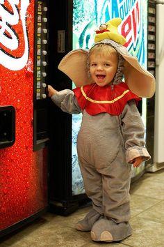 Love costumes.... love DUMBO!