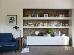 wohnzimmer farbideen grau gold pfauenblau