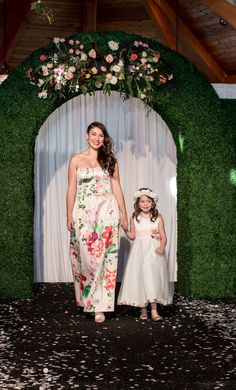 Flower Girls and Flower Gowns | Fashion Show | Adorn | 2016 Style Event | Whim Hospitality | Brown Agency | Runway Show | Hair by Ruiz Salon | Make-Up by Rae Cosmetics | Whim Florals | Sacred Oaks | Svetlana Photography |