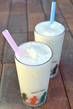 Banana Daiquiri - Banana Daiquiri Makes 4 drinks Ingredients 2 large bananas, divided 1 cup coconut milk, divided 1 lime, juiced, divided 1/2 cup sugar, divided 6 cups ice, divided 4 ounces white rum, optional, divided Process Into a blender add half of each ingredient. Blend until smooth, about 1 minute. Pour into 2 tall glasses, and repeat for 2 more drinks.