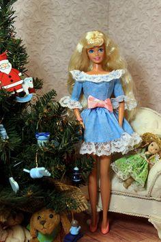 Disney Barbie Dolls, Barbie 1990, Barbie Life, Barbie World, Barbie And Ken, Christmas Barbie, Christmas Fashion, Vintage Barbie, Vintage Toys