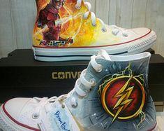 Superman Shoes, Marvel Shoes, Marvel Dc, Flash Converse, Converse Shoes, Sock Shoes, Cute Shoes, Me Too Shoes, Painted Canvas Shoes