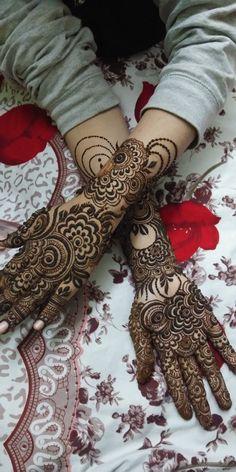 Wedding Henna Designs, Engagement Mehndi Designs, Floral Henna Designs, Back Hand Mehndi Designs, Latest Bridal Mehndi Designs, Mehndi Designs Book, Henna Designs Feet, Modern Mehndi Designs, Mehndi Designs For Beginners