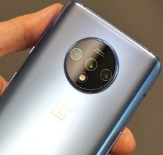 OnePlus 7T Review: OnePlus is a company that has a sort of upper mid-rage phones, somewhere around $500 – 600 like the OnePlus 7. And they have their premi Technology Gadgets, Tech Gadgets, Cool Gadgets, Big Speakers, Cell Phone Reviews, Future Gadgets, Latest Smartphones, Big Battery