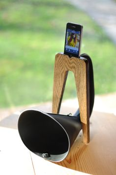 wireless amplifier for your iphone!