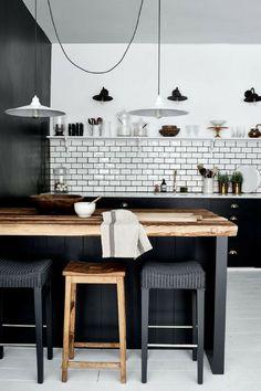 37 Amazing Modern Farmhouse Kitchen Design Ideas To Renew Your Home Kitchen Tiles, New Kitchen, Kitchen Dining, Kitchen Decor, Kitchen Small, Kitchen Wood, Kitchen Island, Modern Shaker Kitchen, Dark Kitchen Cabinets